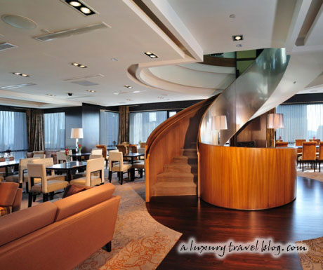 The Premier Club Sky Lounge at the Peninsula Excelsior Hotel, Singapore
