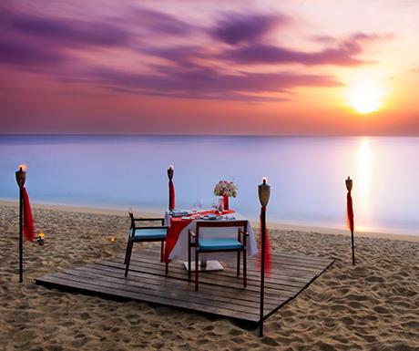 Photograph of the week: Dinner by Design on Mai Khao Beach, Phuket - A Luxury Travel Blog