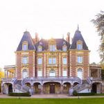 �8,000 a night ch�teau opens on the outskirts of Paris