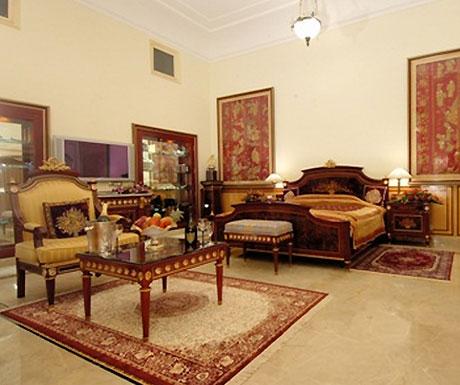 Raj Palace suite