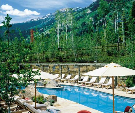 10 of the world 39 s most baby friendly luxury hotels a for Luxury hotel jackson hole