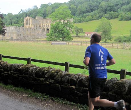 Jogging to Rievaulx Abbey
