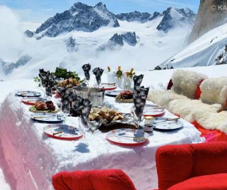 Heli-glacier picnic