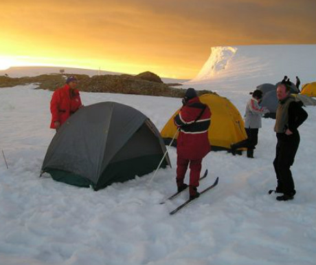 Skiing to the South Pole