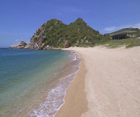 Amanoi Nha Trang Vietnam beach and villa