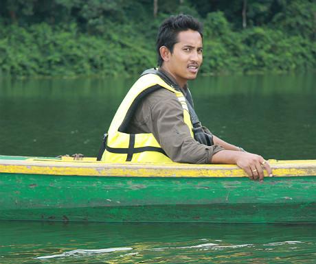 Robin on Fewa Lake