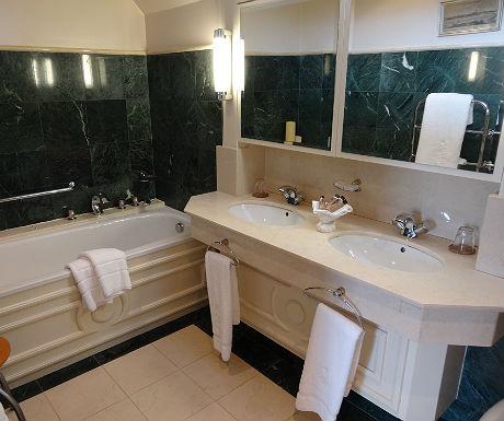 Sheen Falls bathroom