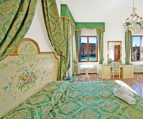 Venice apartment on the Grand Canal