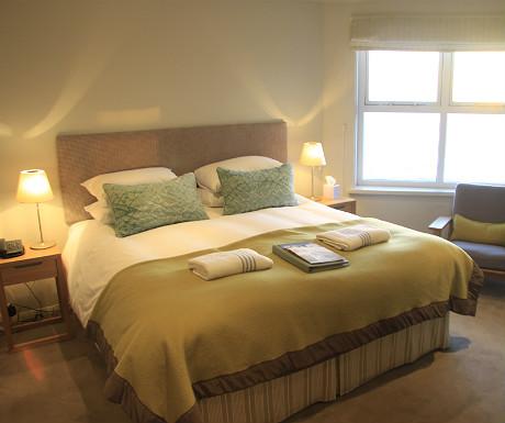 Polurrian Bay Hotel double bedroom