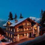 Private ski chalet or luxury hotel? The pros and cons in a nutshell