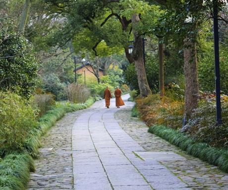 Monks at Fayun pathway