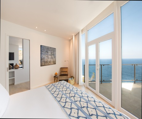 A bedroom at Jumeirah's Suite Es Port