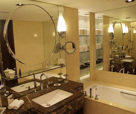 Ritz-Carlton bathroom