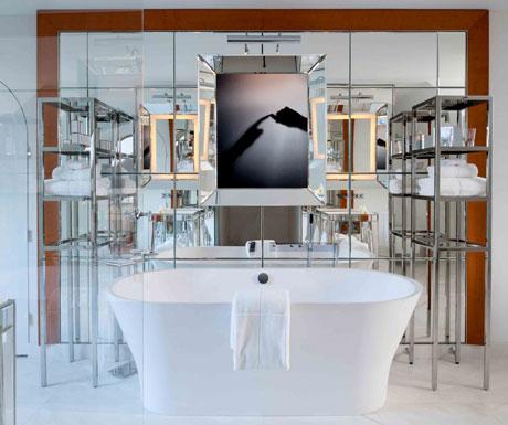 Royal Monceau bathroom