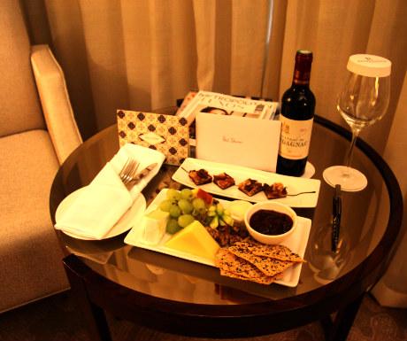 St Pancras Renaissance Hotel Club Room welcome