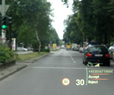 BMW X4 head-up display