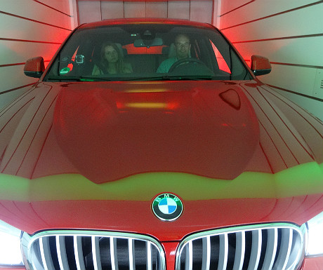 BMW X4 in the lift up to the Carloft