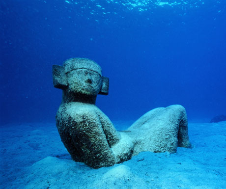 Mayan statue on seabed