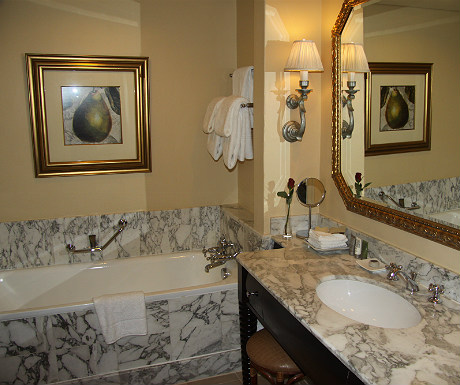 Table Bay Hotel bathroom