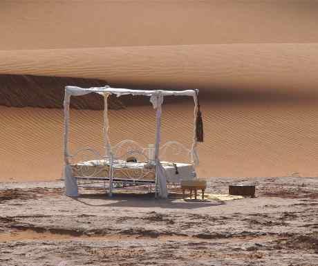Erg Chigaga luxury camp lounge