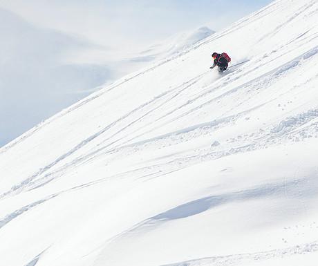 Off piste skiing_166698731