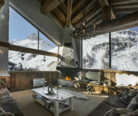 Luxury ski traveller's diary