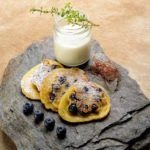 Recipe of the week: Carinthian blueberry 'datschi' with vanilla-thyme foam