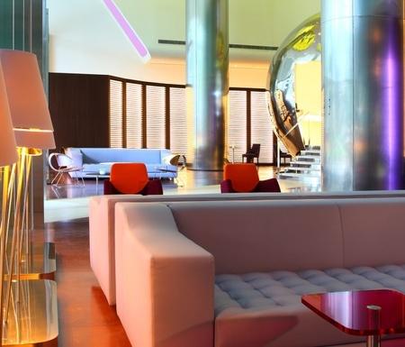Klapsons Hotel lobby