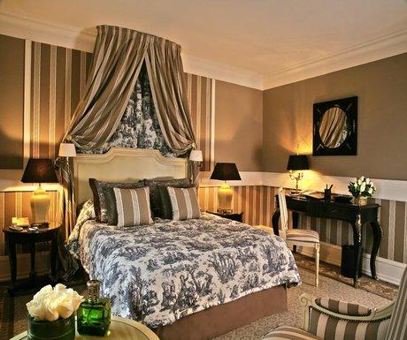 Tiara Château Hôtel Mont Royal room