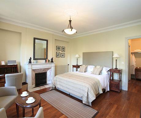Deluxe Suite, La Villa de Mazamet bedroom