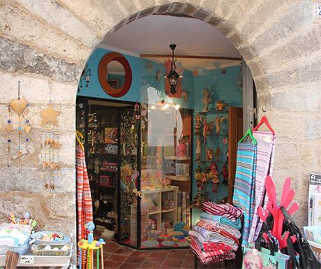 Morella shops