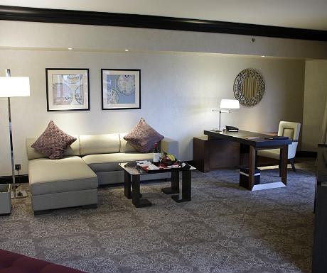 Fairmont Singapore living space