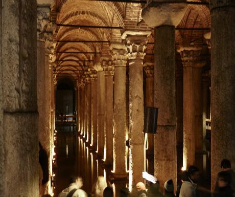 Istanbul-Basilica-Cisterna-6