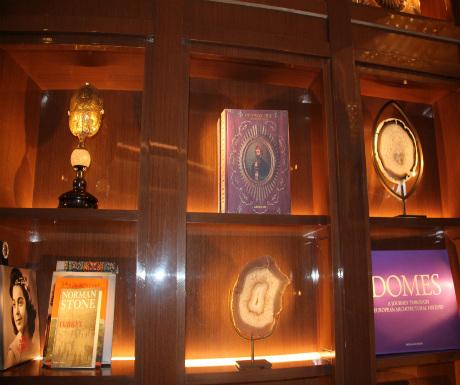 St-regis-istanbul-lobby-art-deco-collectors-feel