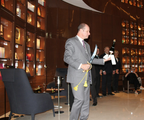 St-regis-istanbul-champagne-sabering