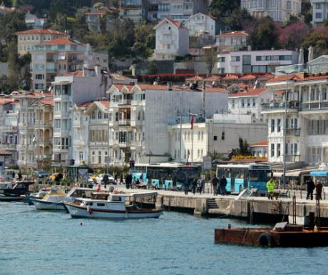 Istanbul-Architecture-Shores-Of-Bosphorus-Strait
