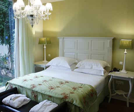 Elounda Gulf Villas villa double bedroom