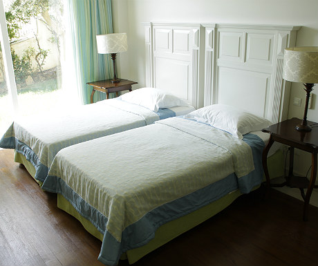Elounda Gulf Villas villa twin bedroom