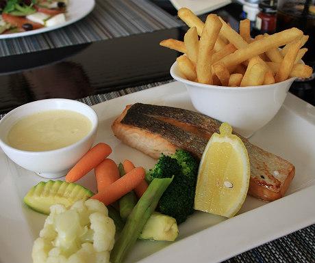JA Palm Treet Court Sports Cafe salmon