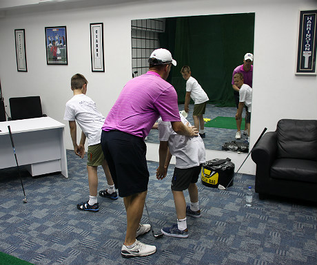 JA Palm Treet Court golf posture