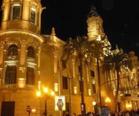 Valencia city hall by night