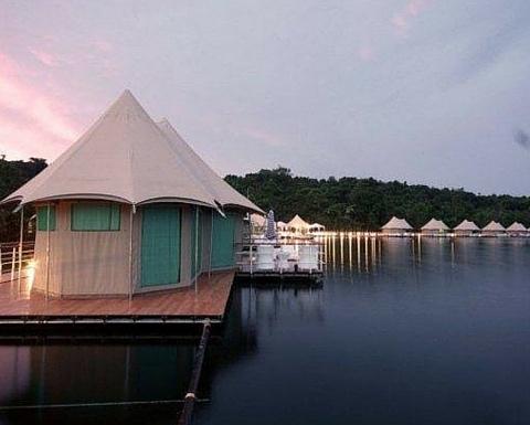 4 Rivers Floating Eco Lodge