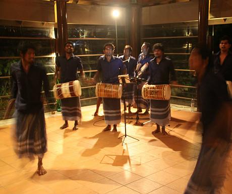 Maldivian dancing