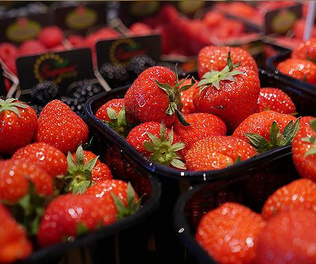 Markthal strawberries