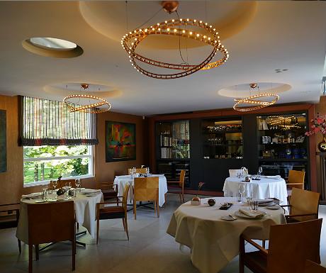 Parkheuval Restaurant interior