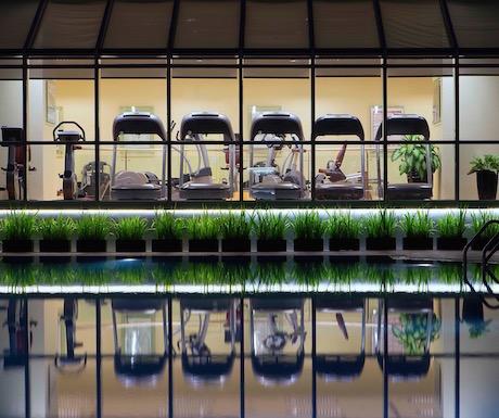 Sheraton Towers Saigon - Sheraton Fitness by pool