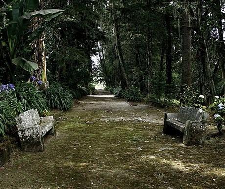 5 Chillo Jijon - outdoor walkway