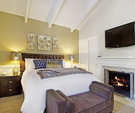 King Suite at Carriage House Inn