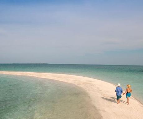 Sand-Bank-Beach-Walking-Benguerra-Island