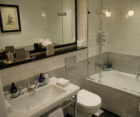 Laslett bathroom